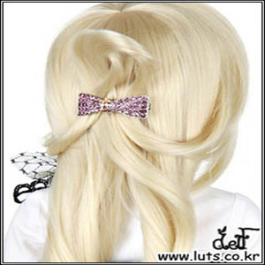 ROMANTIC RIBBON PIN (Lavender)