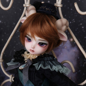 Honey Delf SCONE SHEEP- LITTLE PRINCE Limited
