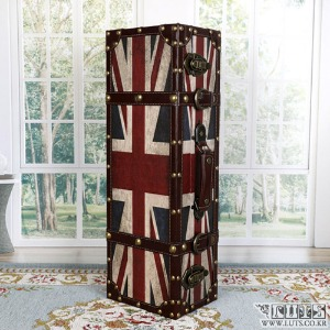 Antique Carrier M (Union Jack)